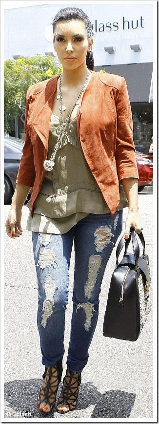kim kardashian torn jeans1