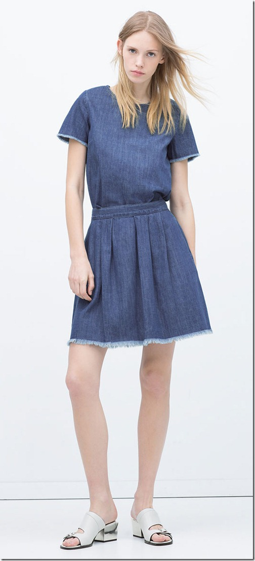 Denim skirt with frayed hem