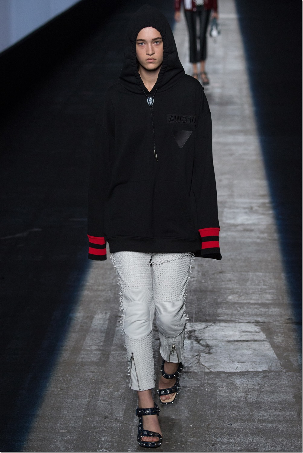 Alexander Wang SPRING 2016 READY-TO-WEAR 9