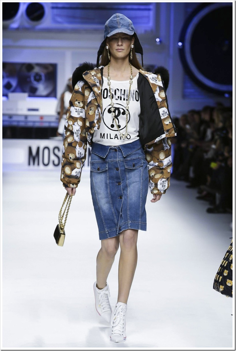 Moschino Fall 2015 RTW  16