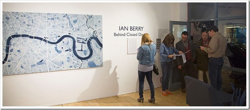Behind Closed Doors | Ian Berry | Denimsandjeans