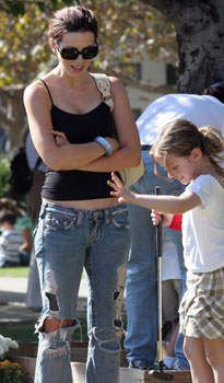 kate-beckinsale-in-true-religion-jeans.jpg