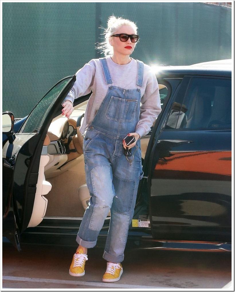 Gwen Stefani in Retro Patchwork denim : Denimsandjeans.com