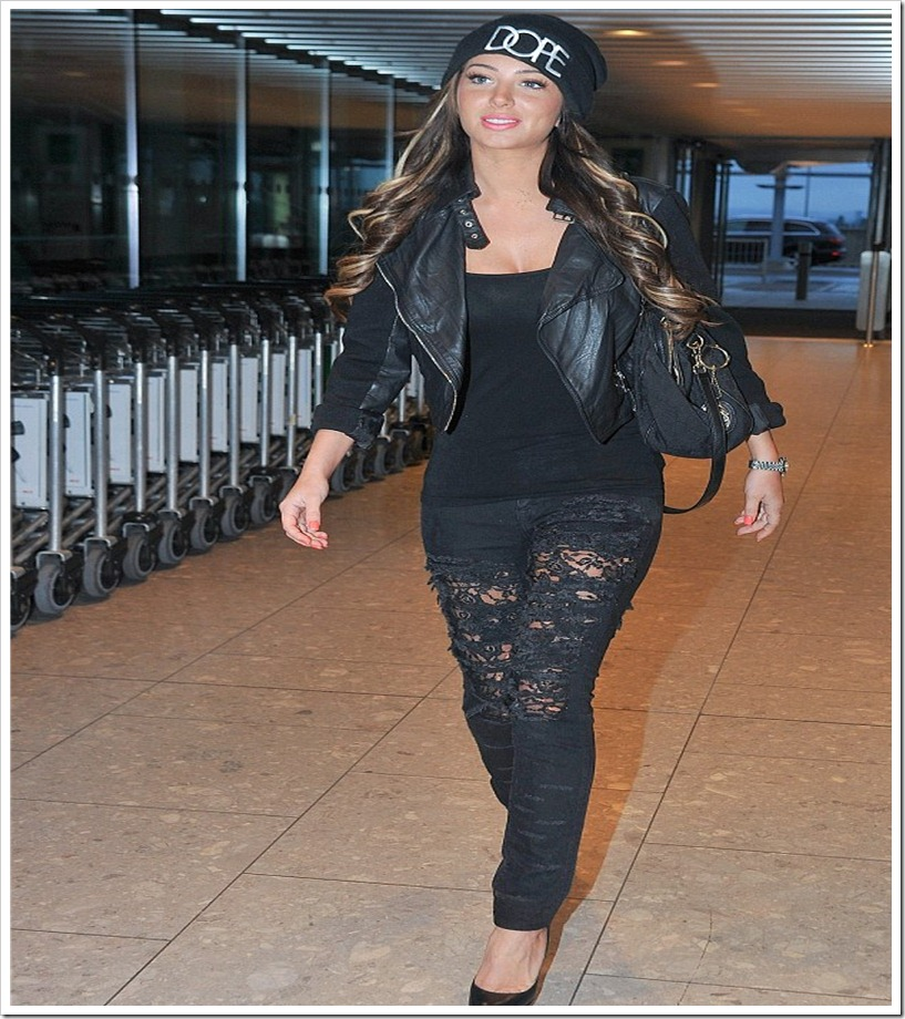 Tulisa stepped Out In Ripped Jeans