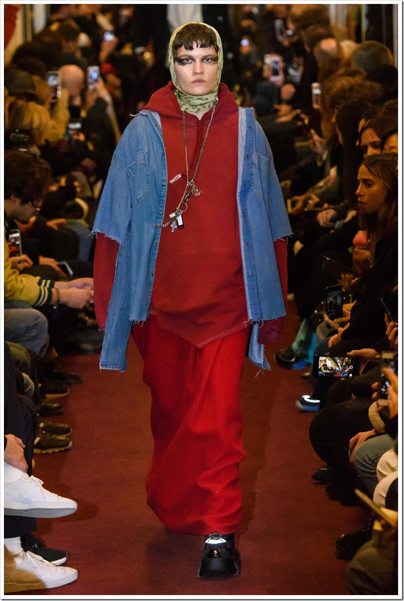 vetements-m-rf18-3471